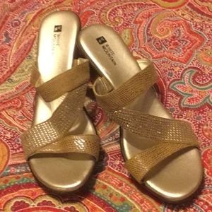 NWOT White Mountain Gold Sparkly Wedges